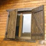 ventana rustica pino