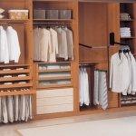 interior armario cerezo